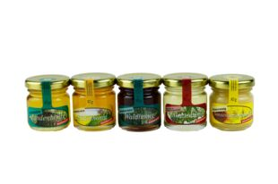 five different kinds of honey